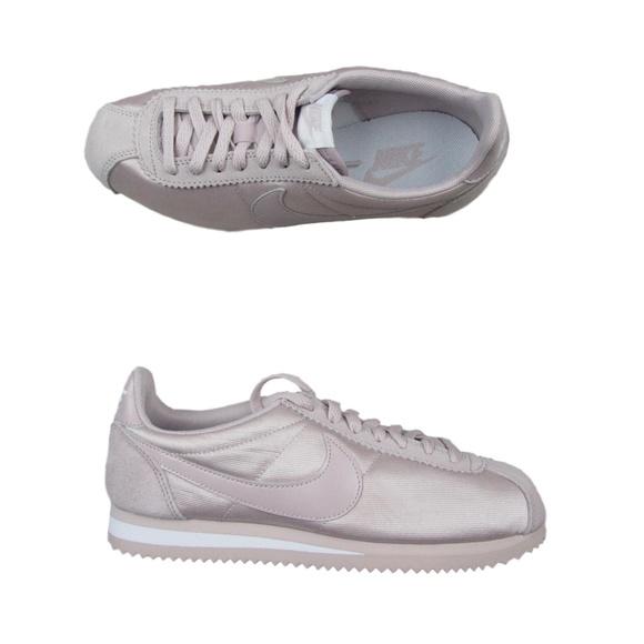 sports shoes 57b1a 38f48 Nike Classic Cortez Womens Size 7.5 Pink Nylon. M 5c36854b4ab6334bbfb744e8